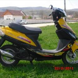 vand motoscuter first bike