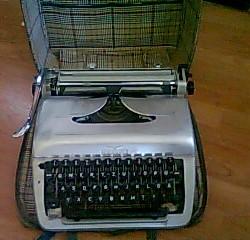 Vand masina de scris/dactilografiat